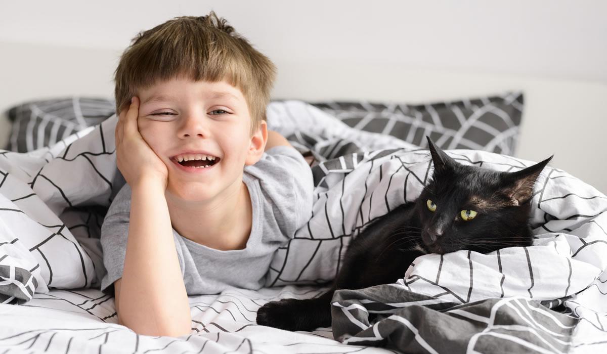Consigli per una felice convivenza tra gatto e bambino